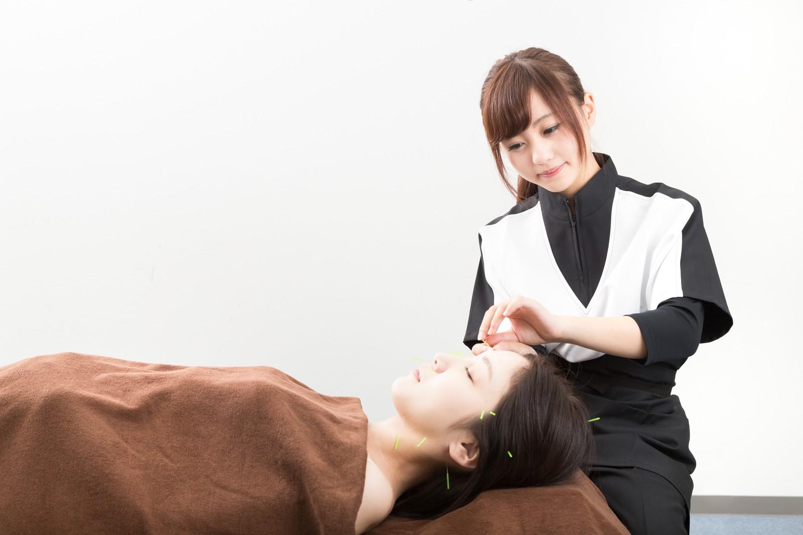 入学→資格取得を経て美容鍼灸師へ